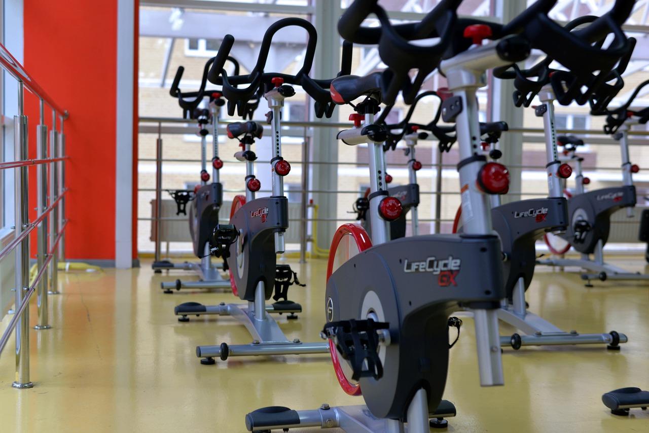 Ćwiczenia – samemu czy z trenerem?